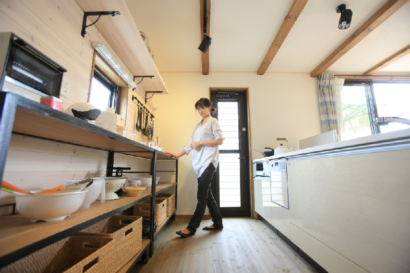 無垢材フローリングのキッチン